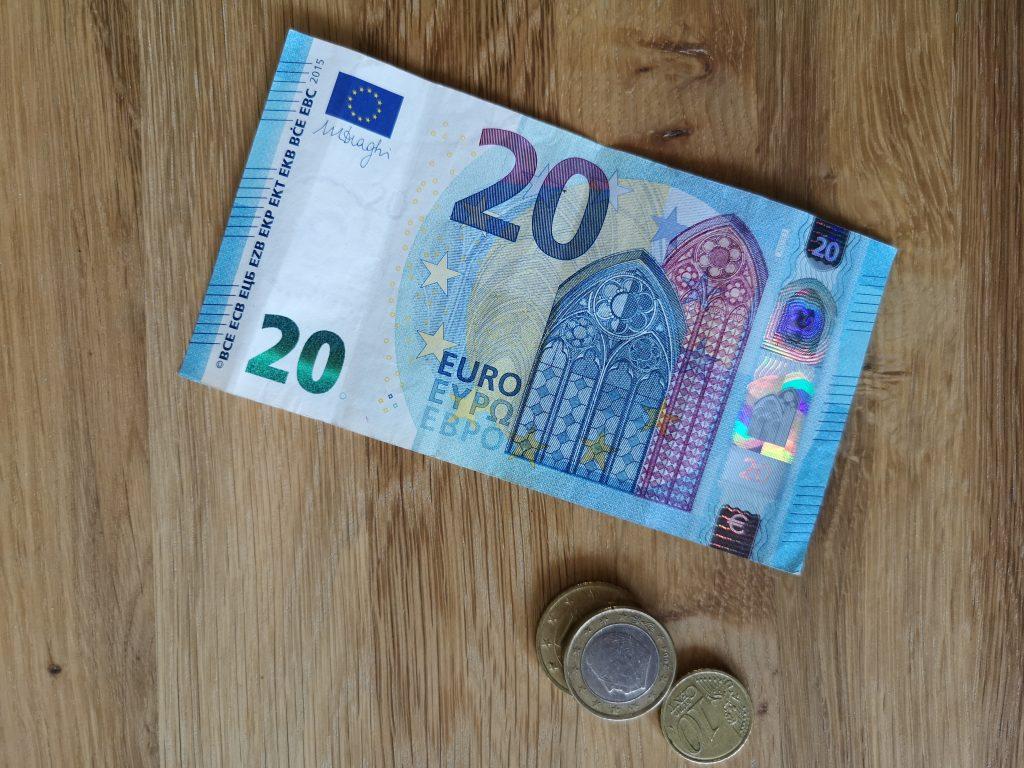 #F6 Bei Geld emotionslos ?